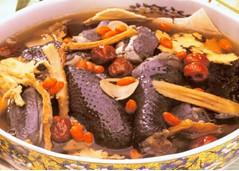 月子汤谱:红枣排骨乌鸡汤