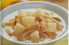 月子汤谱:莲子猪肚汤