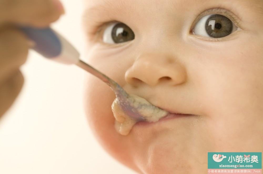 宝宝出牙所需营养及辅食