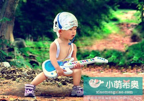 宝宝爬行可开拓智力潜能