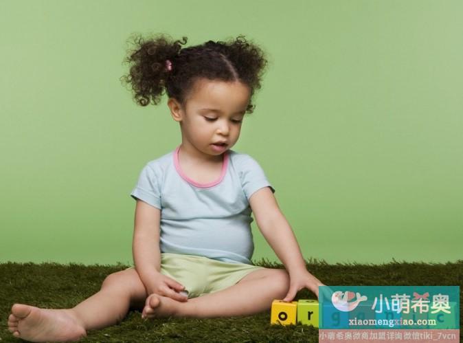 十个月应开始培养宝宝的独立性